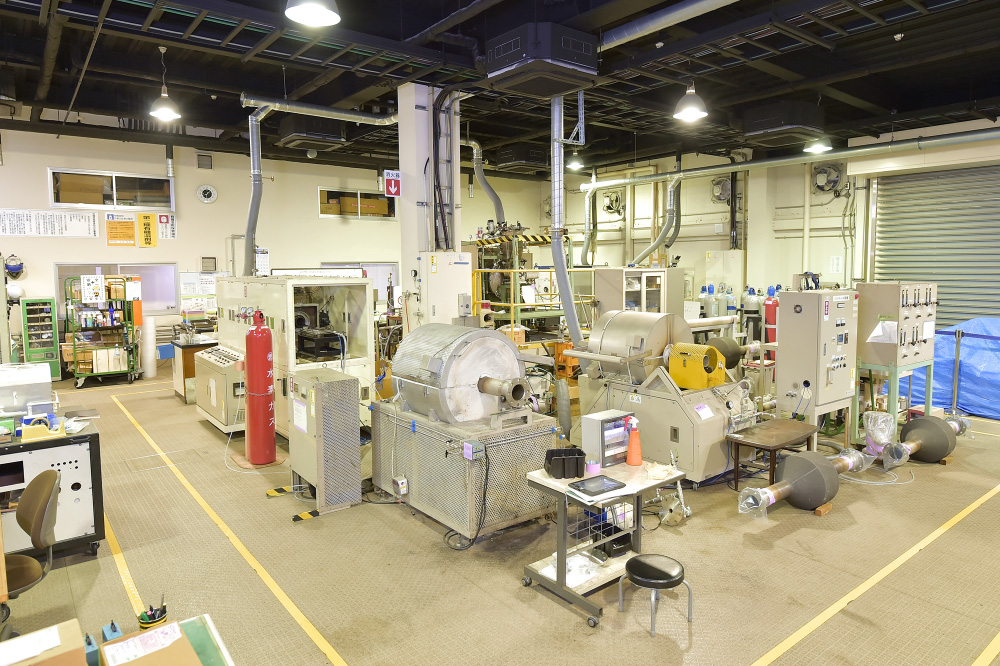 Various heat treatment furnaces at the RD Center
