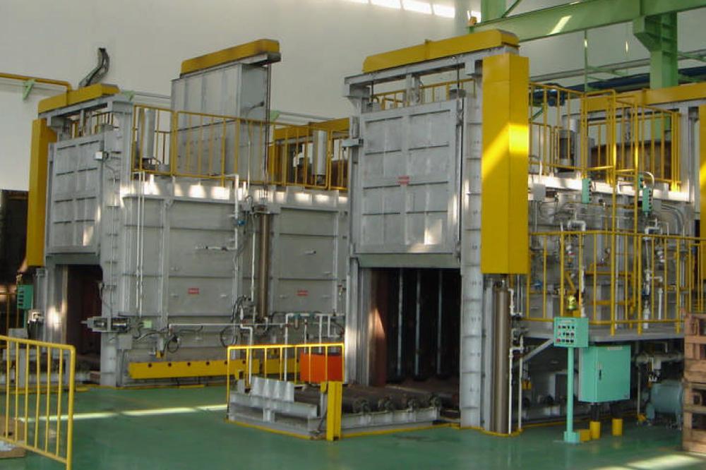 熱処理炉ガス式